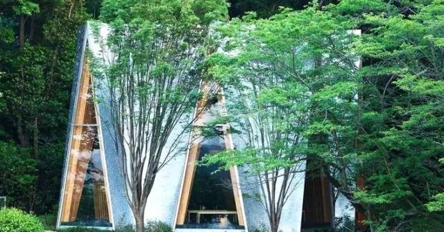 创意还是奇葩?来看看日本这些让人眼前一亮的建筑!_23