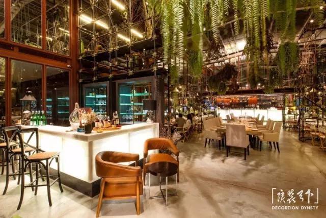 泰国曼谷废弃仓库改造的Vivarium生态餐厅设计