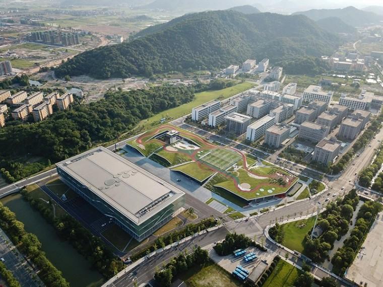 屋顶公园—杭州云栖小镇会展中心二期