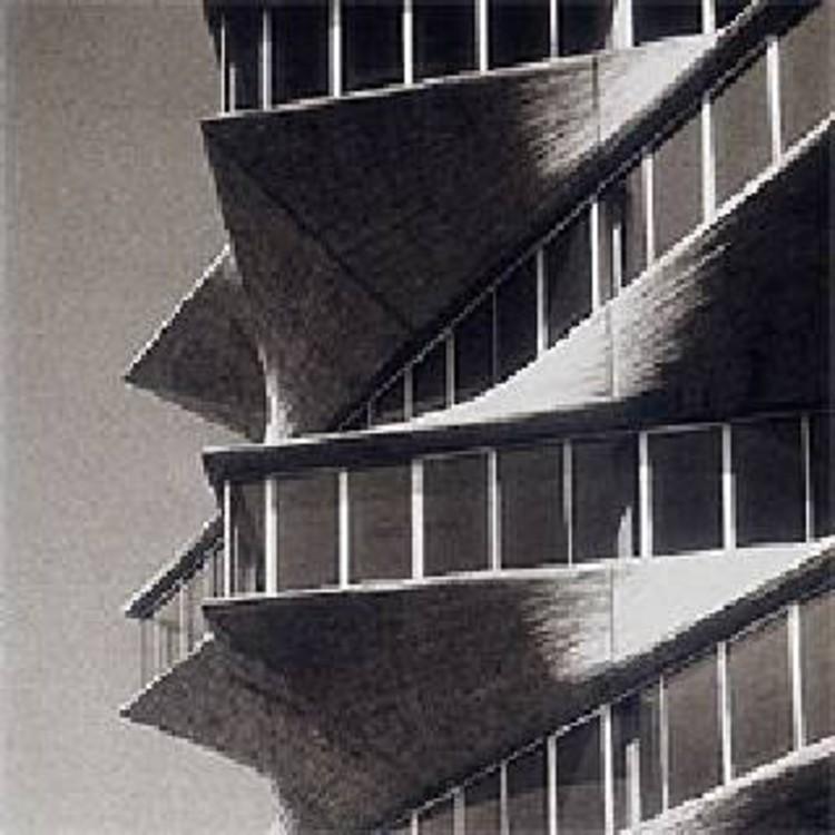 经典建筑:霍尔瓦实验大楼宝塔_5