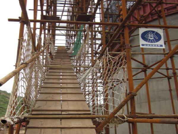 丘陵沟谷区30m~54.5m空心薄壁高墩提升翻模法专项施工方案62页