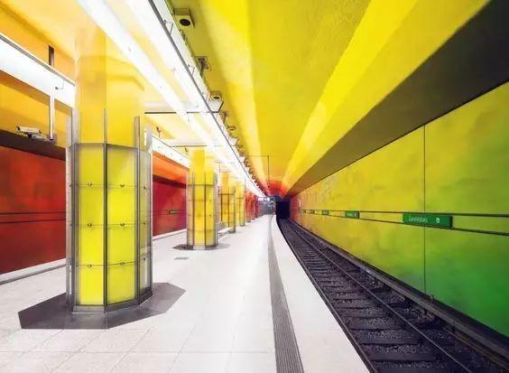 世界最美地铁景观,美到让你不想回家_17