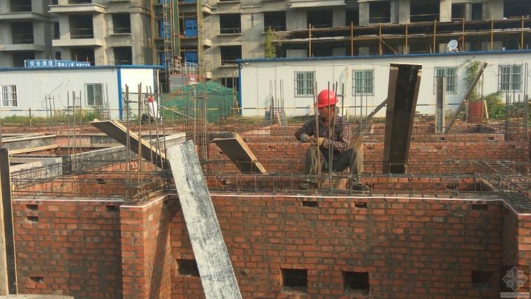 [筑龙18周年庆]河南省经济管理学校学生宿舍楼施工现场