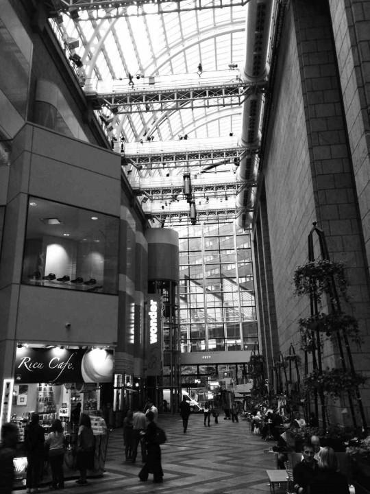 后现代主义的建筑标杆—索尼大厦