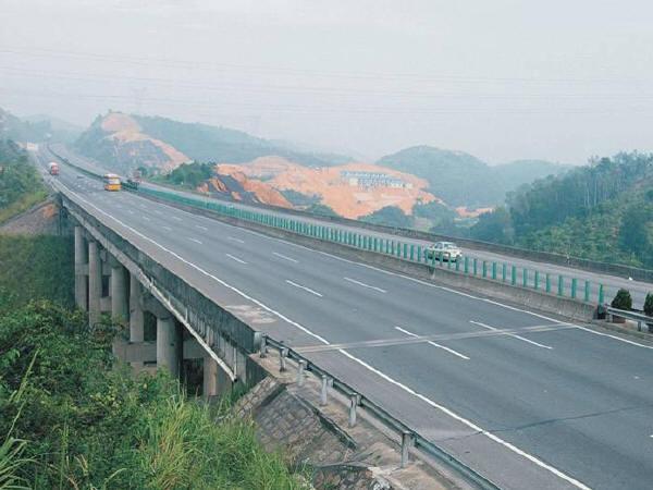 钢结构在高速公路桥梁中的应用及其施工探析