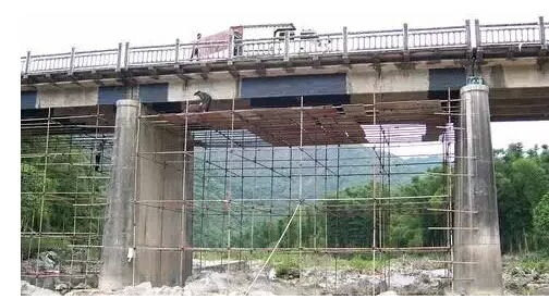 桥梁粘贴钢板加固工艺及施工注意要点