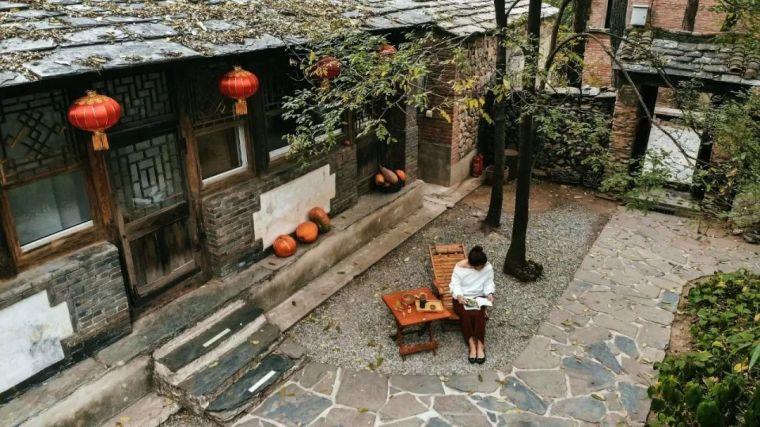 这里的秋天会画画,住进获国际大奖的最美民宿:姥姥家_13