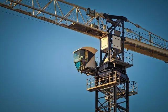 超高层施工垂直运输是个技术活——三个要点一抓到位