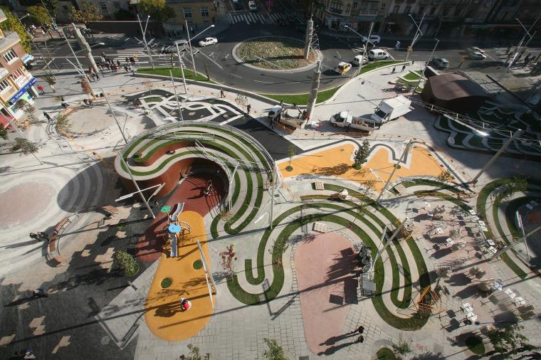 西班牙Ricard Viñes城市广场