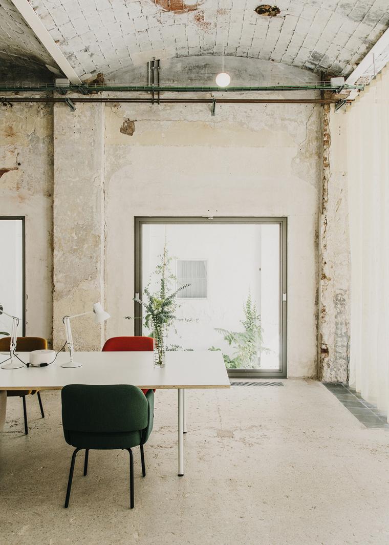 仓库建筑的古典风格Montoya办公楼-19