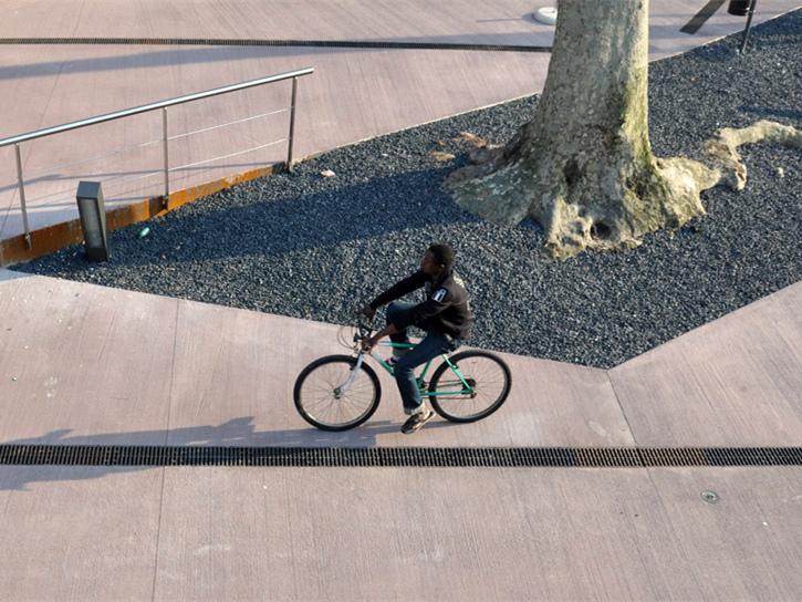 意大利火车站前广场-意大利火车站前广场第1张图片