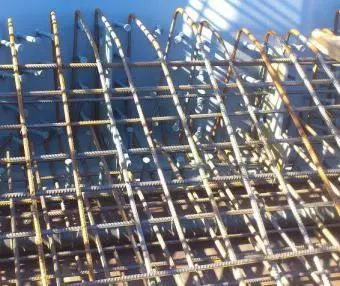 波形钢腹板组合体内外预应力混凝土箱梁施工工法_9