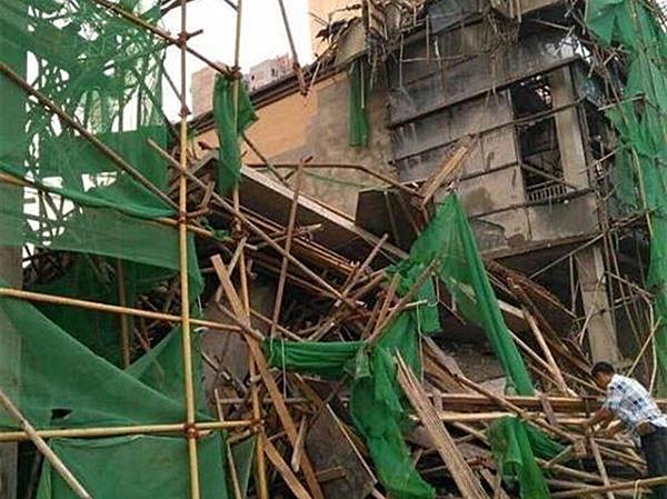 四川阆中一在建楼盘支模架坍塌,已致6死4伤