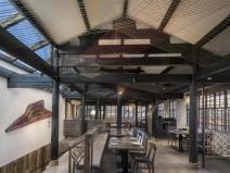 丽江古色古香的必胜客餐厅