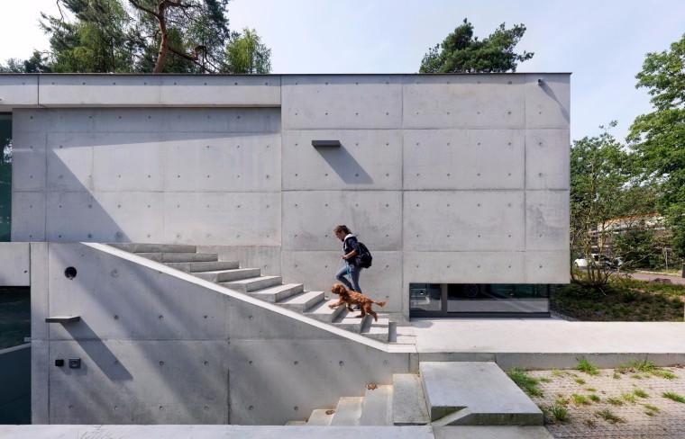 荷兰混凝土板组成的Zeist住宅-6
