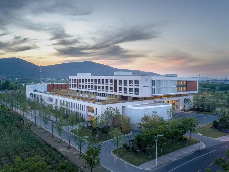 江南大学医学大楼