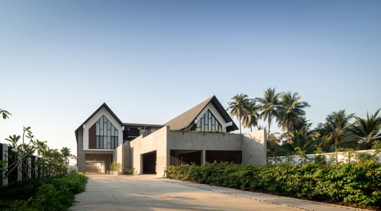 泰国现代田园式住宅外部实景图