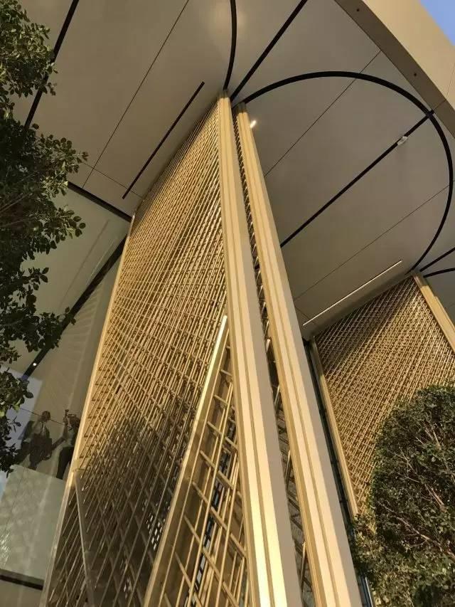"""苹果最新米兰旗舰店设计,被誉为""""欧洲最美苹果店""""_27"""