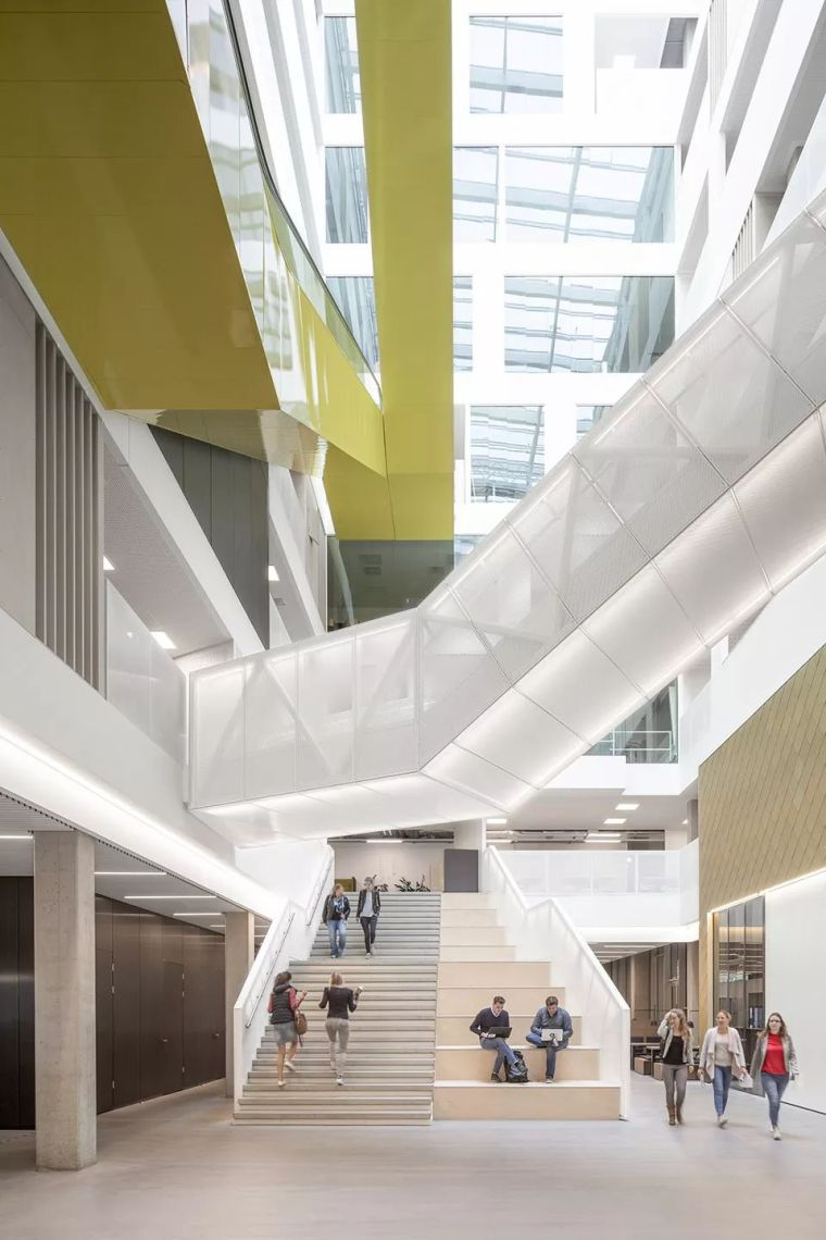 拥有一个霸道中庭的荷兰UTRECHT应用科学大学教学楼/SHL_14