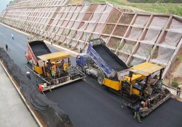 市政道路工程路基基层施工及沥青路面施工工艺_4