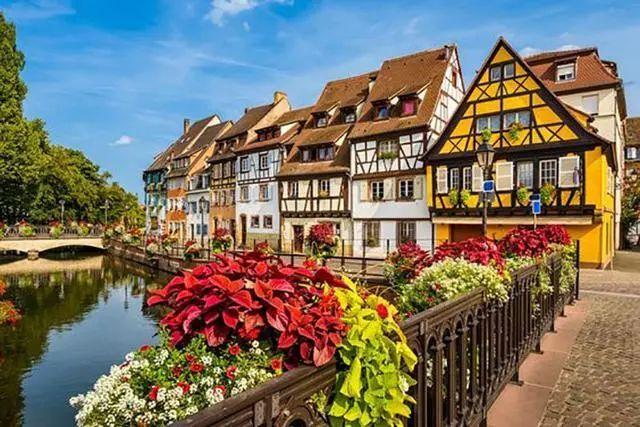 世界上最美的7个鲜花小镇子,这辈子一定要去一次!_8