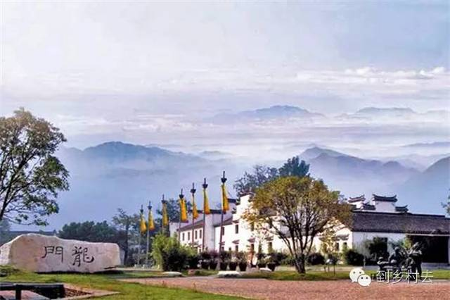 设计酱:忘记乌镇、西塘、周庄吧!这些古镇古村,很美很冷门!_2