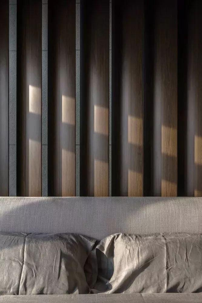 室内设计 130㎡的单身公寓,设计感十足_35