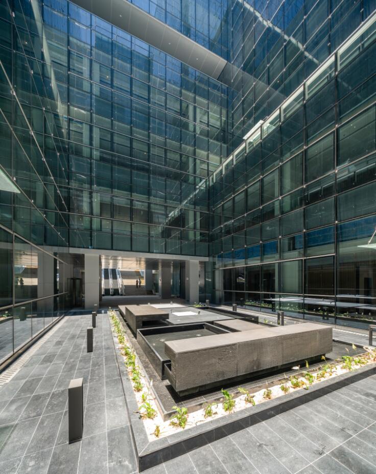 珠海天圆地方概念的医药科技产业园总部大楼-10