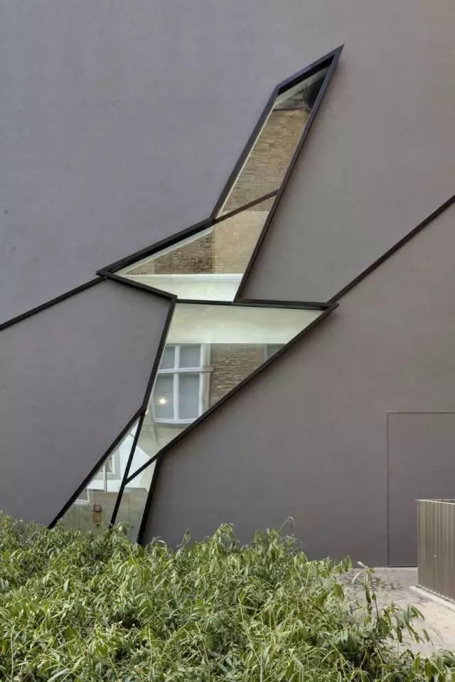 斜线切割的FelixNussbaum博物馆_11