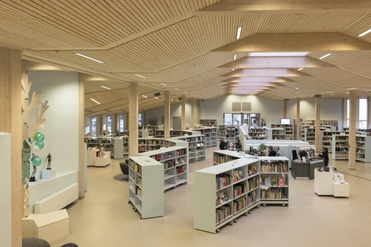 挪威格里姆斯塔德图书馆-7