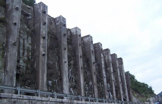 重力式路堑挡墙与衡重式路肩挡土墙施工方案
