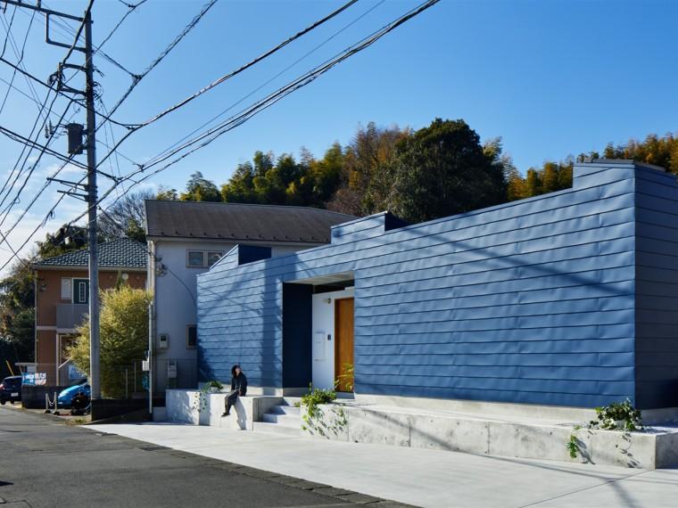 日本停车场改造的信徒之家
