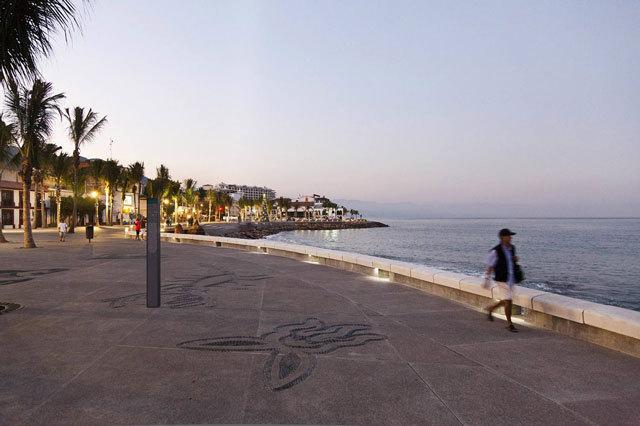 墨西哥巴亚尔塔港海滨景观设计_14