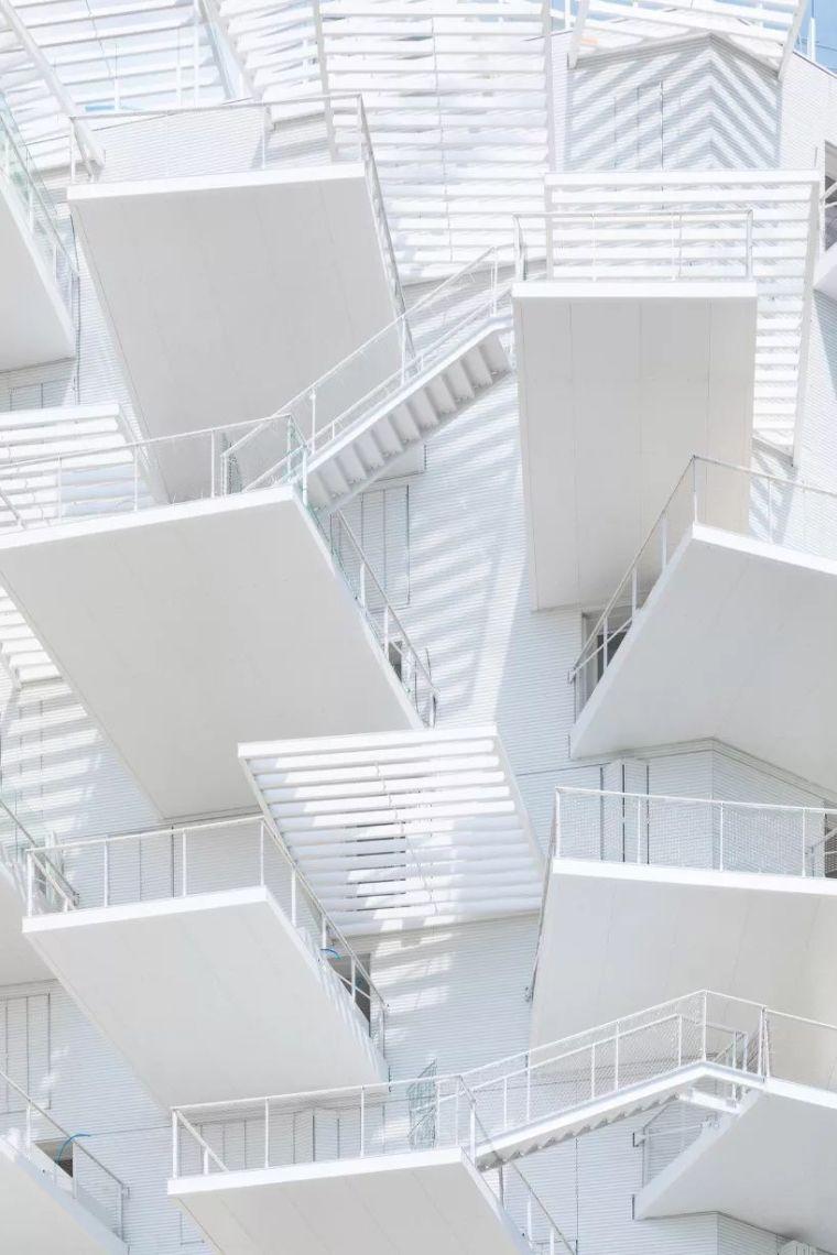 """藤本壮介设计的像树一样的公寓楼建成了,每户都有""""空中花园""""_32"""
