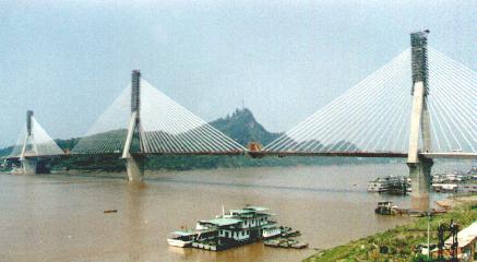 长江大桥钢绞线斜拉索安装工艺研究