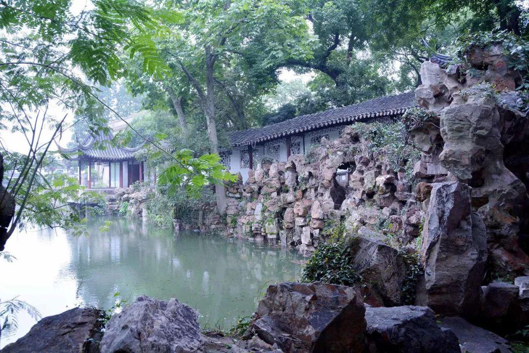 在之江大学教书的时候,陈从周接受了坐落在苏州古典园林沧浪亭里的图片