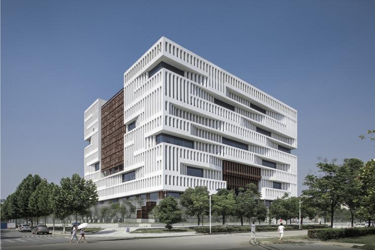 武汉理工大学南湖校区图书馆
