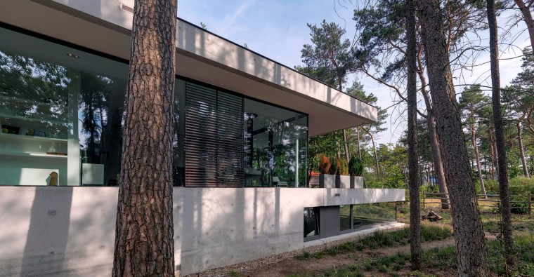 荷兰混凝土板组成的Zeist住宅-5