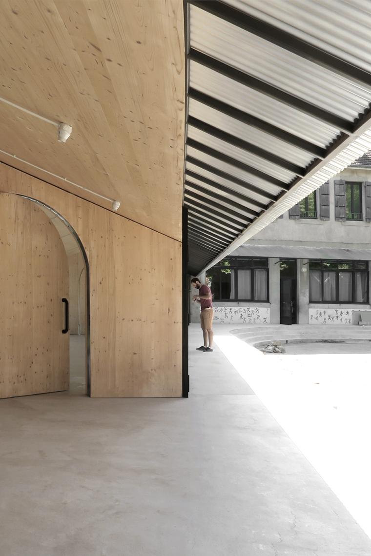法国简洁木结构的学校食堂扩建-7