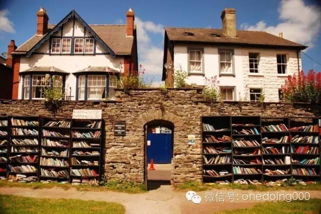 因为二手书,这座英伦小镇被旅游彻底改变了!--最有创意的景观