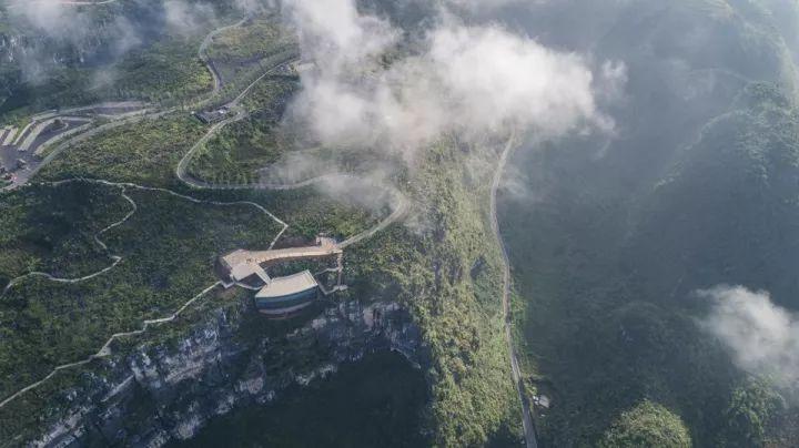 中国第一个百米崖壁上的美术馆!_1