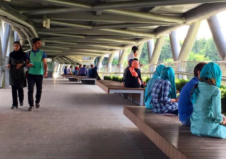 伊朗塔比阿特步行桥-7