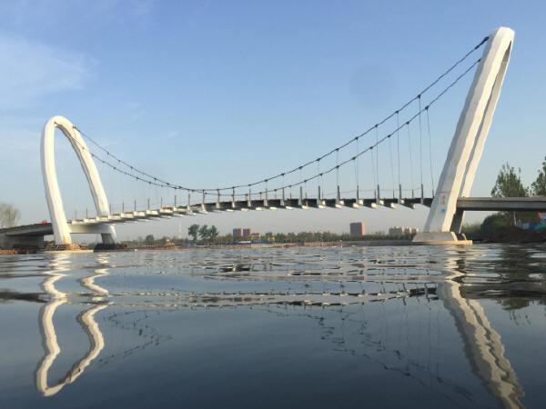 悬索桥结构检测与特长隧道运营管理的实践