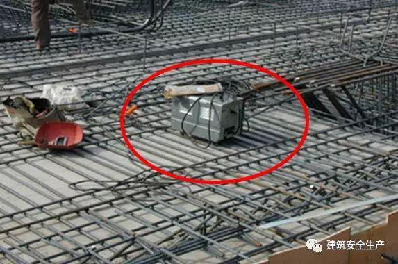水利施工现场这些临时用电行为统统要不得!_12