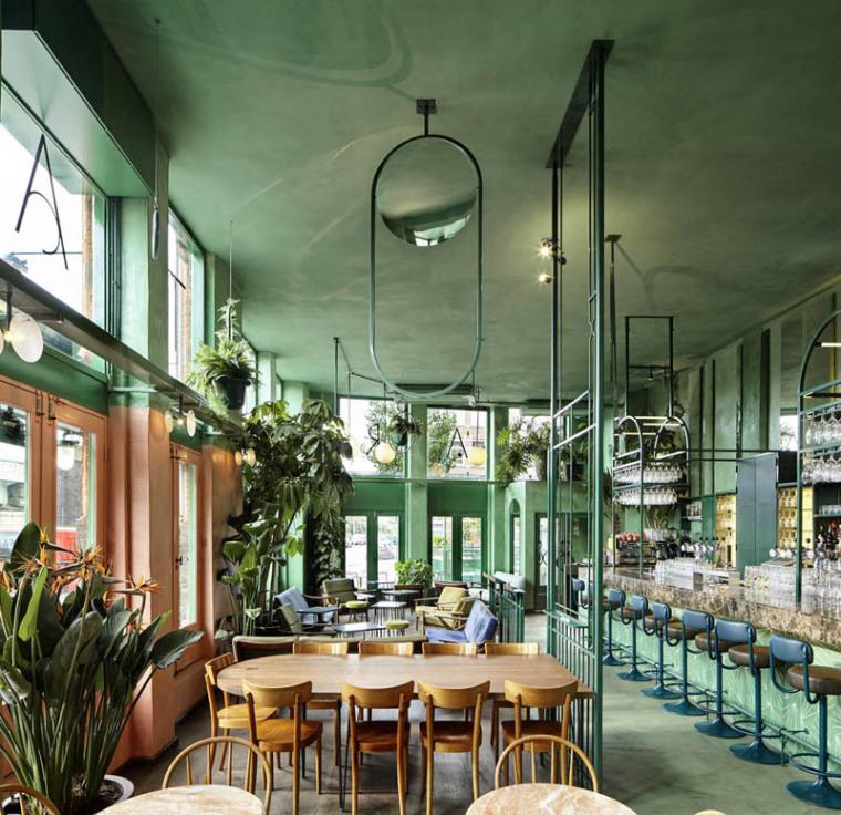 阿姆斯特丹热带雨林般自然气息的餐厅