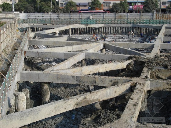 [浙江]紧邻地铁深基坑开挖支护降水施工方案(SMW工法桩 内支撑)