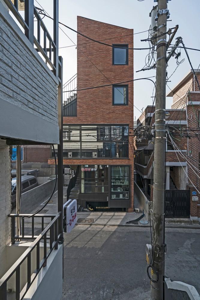 """韩国芒源洞""""窄居"""" / Boundaries architects"""