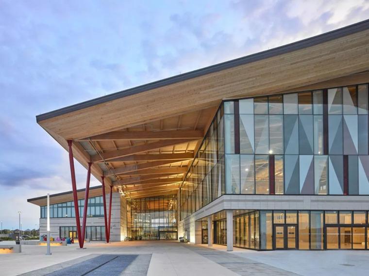 加拿大阿尼社區中心與圖書館