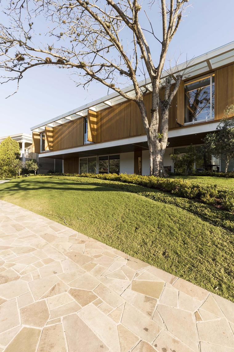 结构与空间融合的JardimdoSol住宅-3