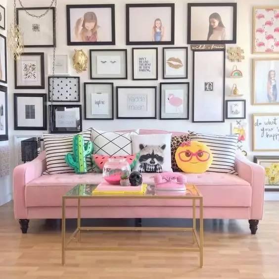 做梦也没想到,沙发的摆放竟影响着家庭幸福感,无关风水